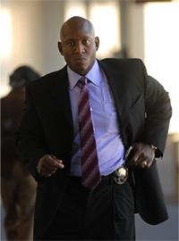 Sergeant Derwin Longmire, lead investigator in the Chauncey Bailey murder case. (Nader Khouri/Contra Costa Times)